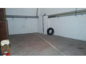 Urbis te ofrece una plaza de garaje en venta en la zona...