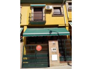 Casa en venta con garaje y terraza en Vistillas. Anduja...