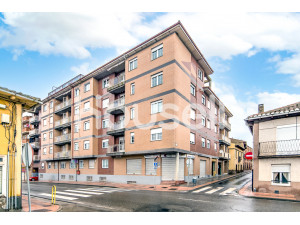 Piso en venta de 135 m² Calle Bernardo Pérez, 24205 N...