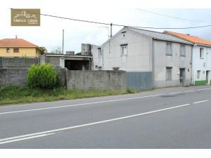 Casa con terreno en Bértoa