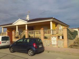 Chalet independiente con piscina en Los Alcázares