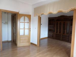 Estupendo piso en zona estación de 4 dormitorios, 2 ba...
