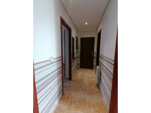 Bonito piso reforado y con patio