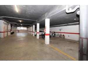 Parking grande en venta, calle Carmen Galceran