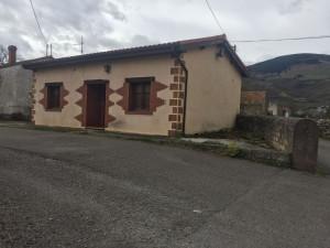 Venta de Casa Independiente en Molledo Santa Cruz de Ig...