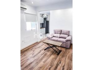 Piso en venta de 61 m² en Calle Paterna del Río, 0400...