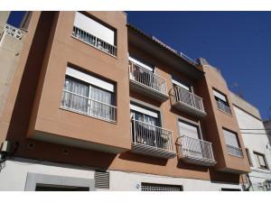 Piso de 3 habitaciones, con ascensor y balcón en Villa...