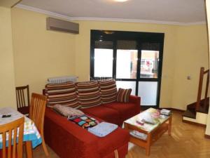 EXCLUSIVAS ROMERO, comecializa vivienda duplex en centr...
