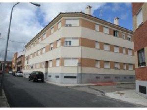 Piso en venta en c. becquer, 11, Fuensalida, Toledo